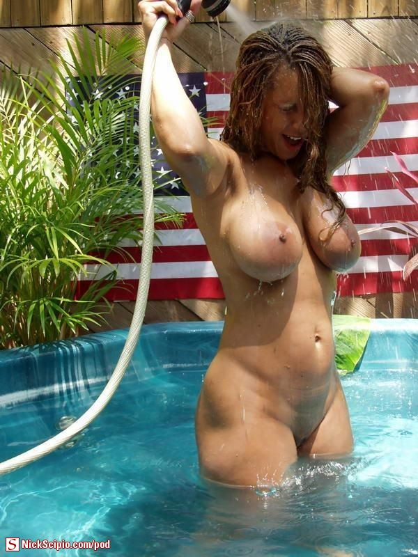 Milf porn at the pool