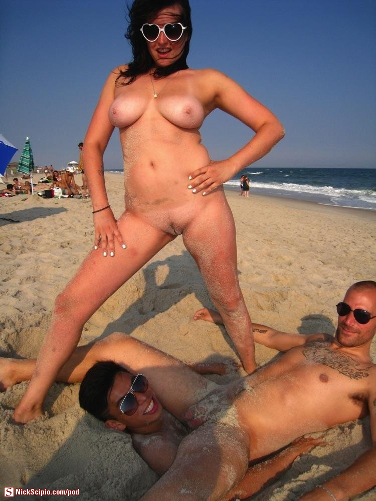 Nude Beach Sandy Bi Threesome Wtf - Picture Of The Day - Nickscipiocom-9362